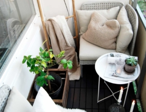 Дачная мебель на балконе