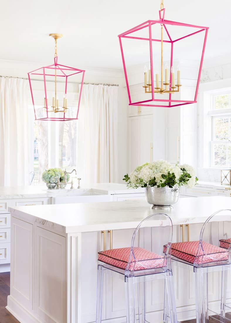 Розовые акценты на кухне