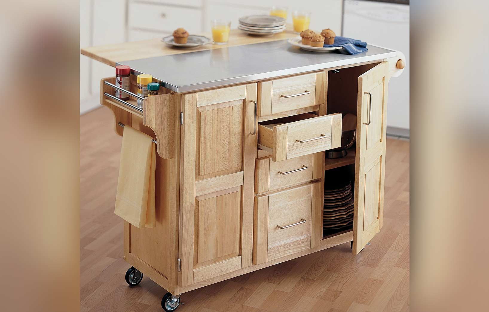Функциональный комод для кухни