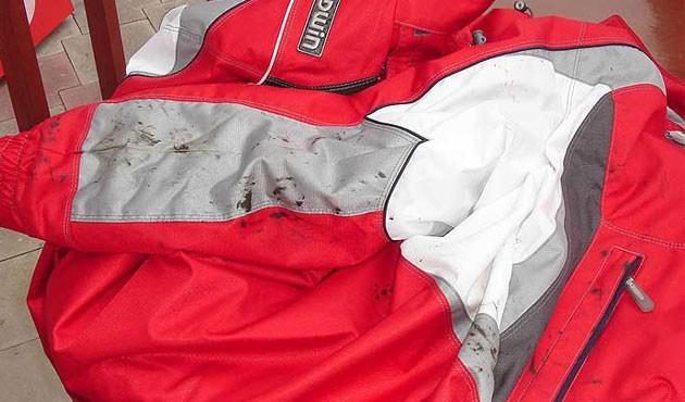 Чем оттереть мазут с куртки: способы очистить мазутное пятно с одежды, народные и химические средства